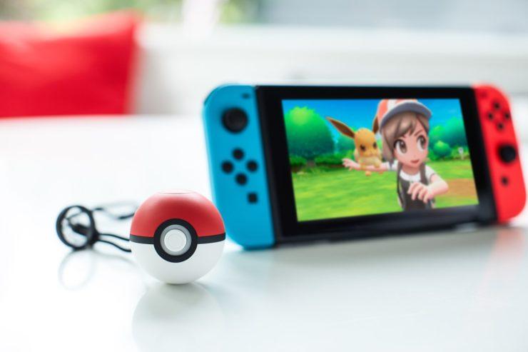 Pokemon_Lets_Go_Eevee_and_Poke_Ball_Plus-740x493